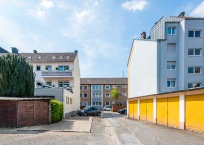 Blick zur Baulücke vom Garagenhof